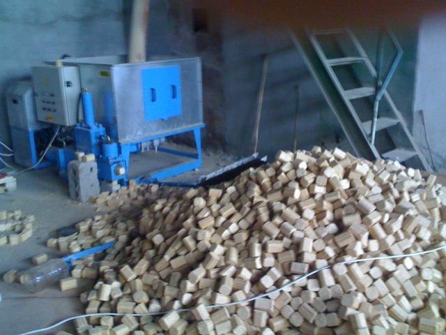Производство брикетов с опилок в домашних условиях